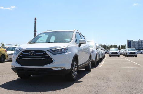 В Душанбе пришли казахстанские автомобили