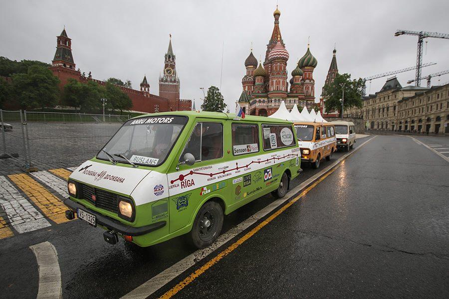Пробег Рига-Владивосток на РАФах (Москва)