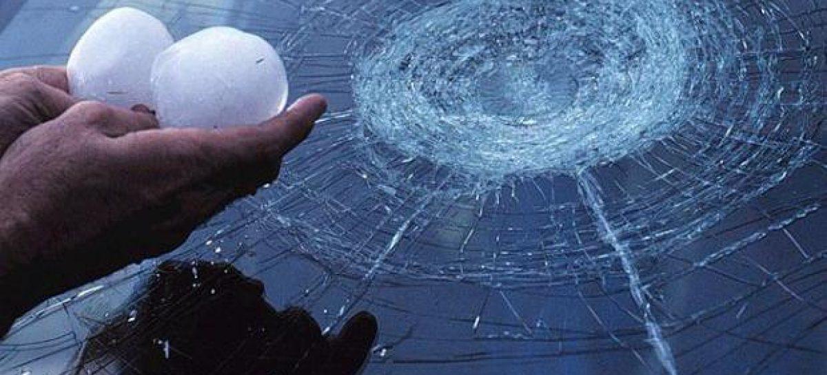 Град в Сибири расстроил многих автомобилистов