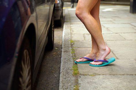 Правильно ли обуты водители?