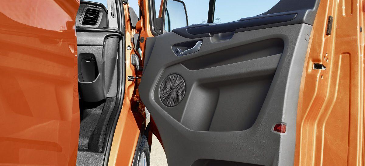 Новый Transit Custom версии ECOnetic