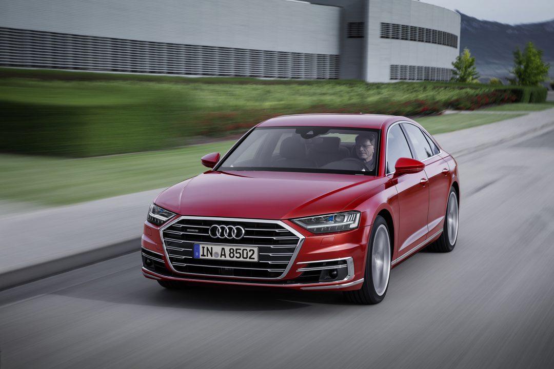 Audi A8 в движении
