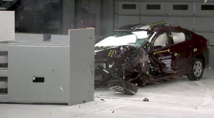 KIA Cerato 2017 crash test
