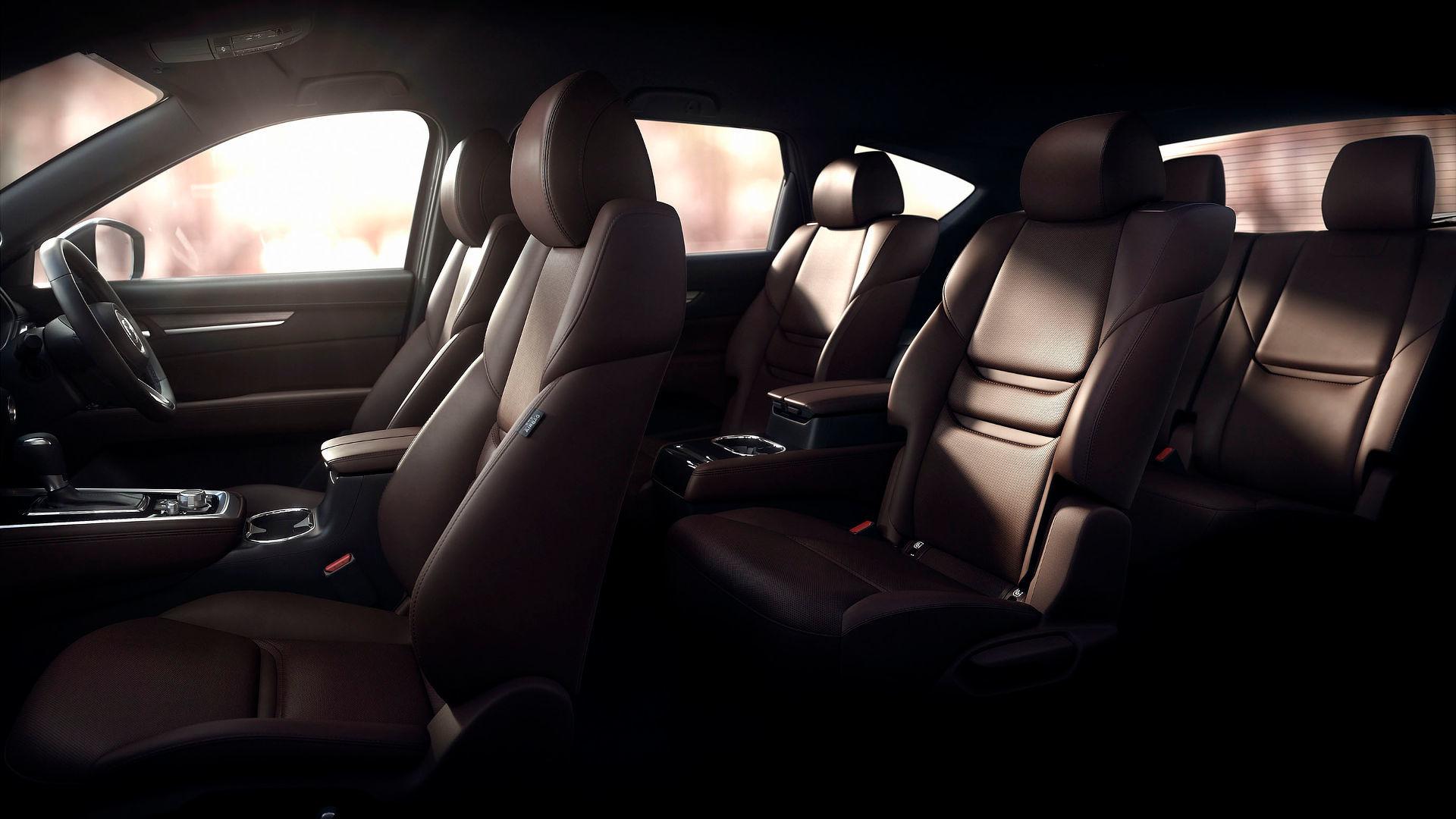 Mazda-CX-8 салон