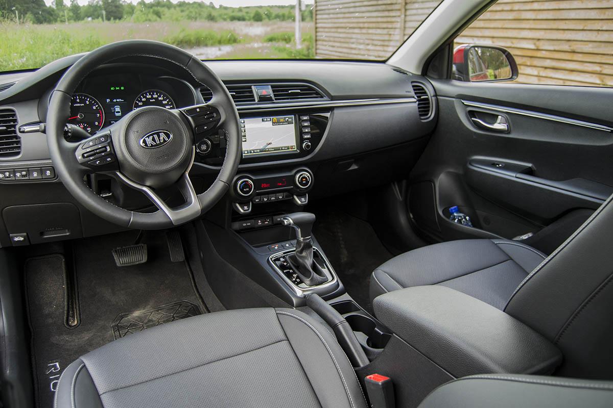 New-Kia-Rio-interior-2