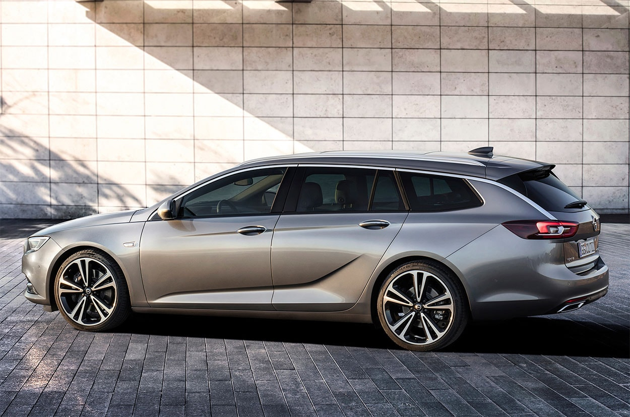 Opel-Insignia-Sports-Tourer-2017-2018-