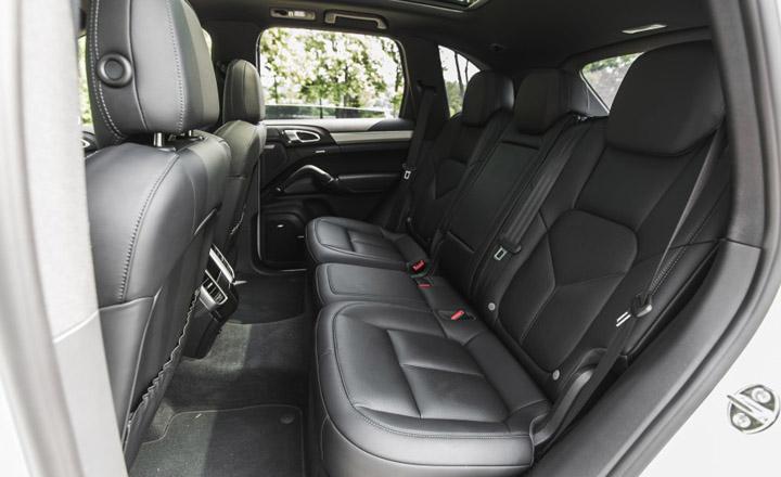 Porsche-Cayenne-2018-inside