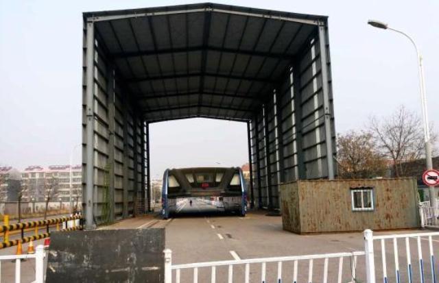 автобус TEB брошеный Китай