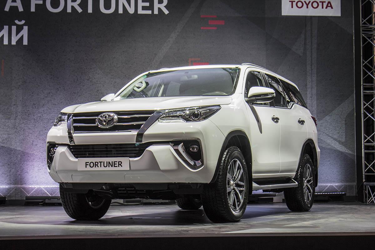 Toyota-Fortuner-presentation-2