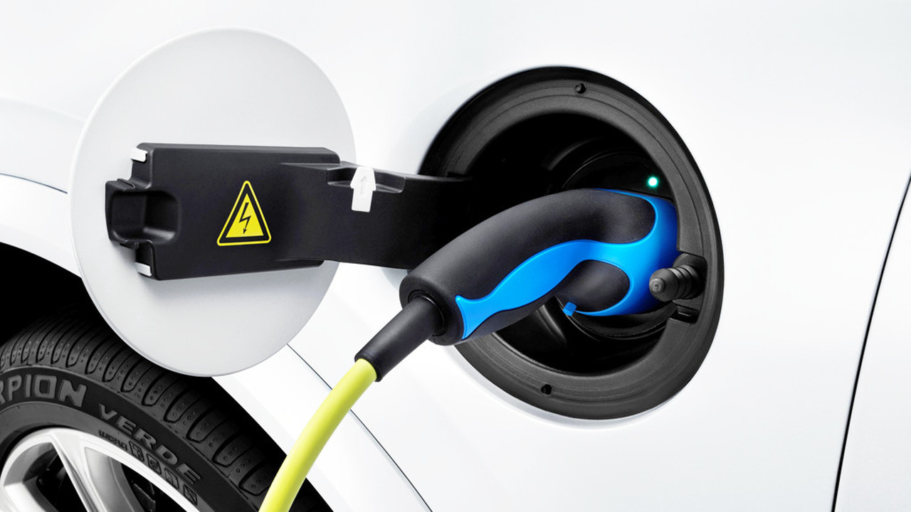 Volvo-электродвигатель-1