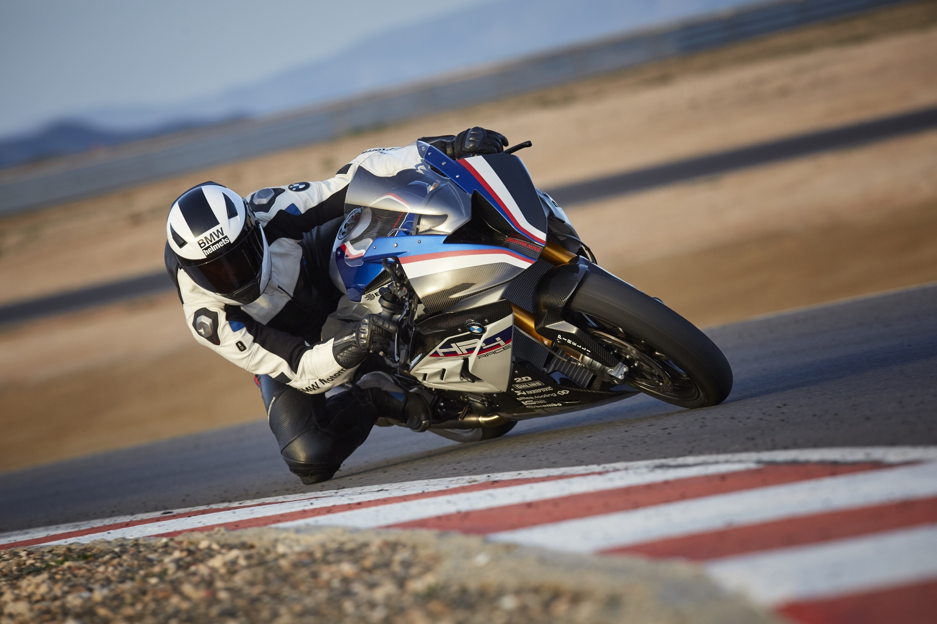 highRes_bmw-hp4-race-04-2017