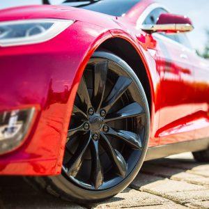 Авторынок США: у Tesla 435% роста
