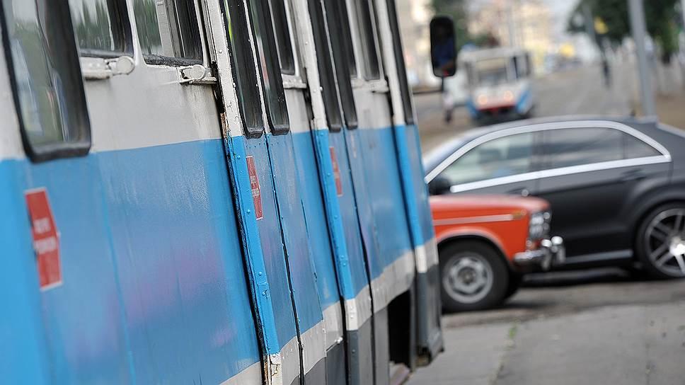 выезд на трамвайную линию