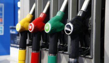 Сечин назвал виновных в росте цен на бензин