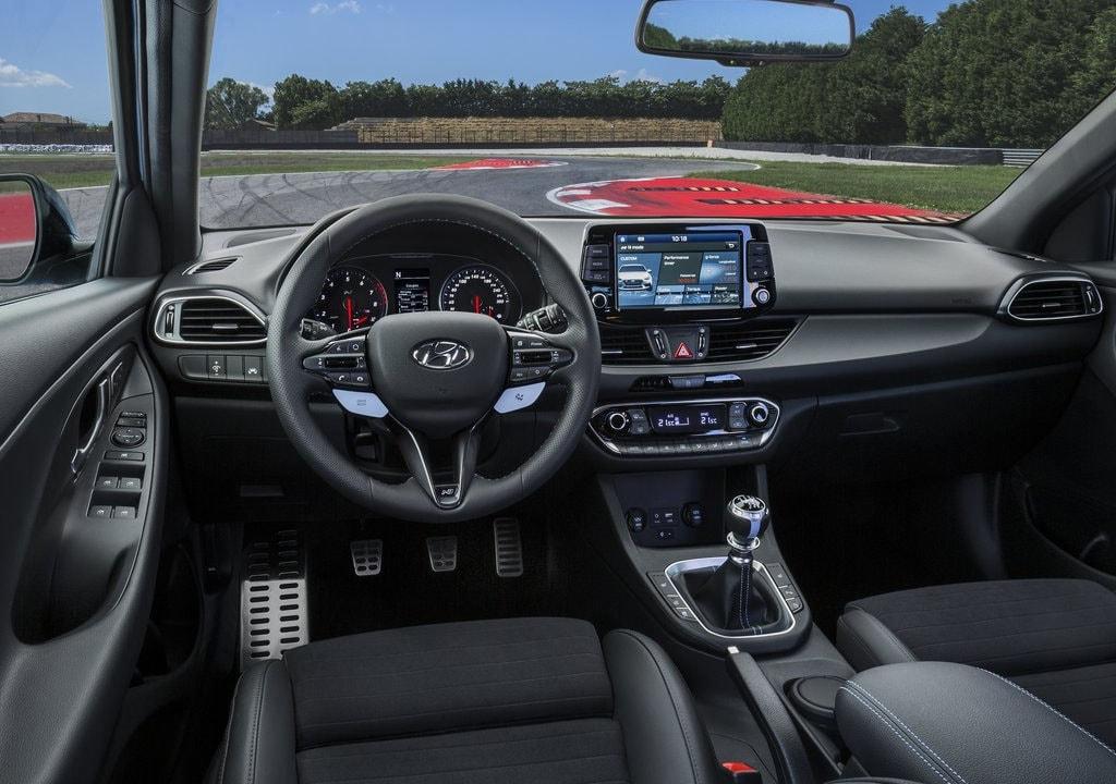 Hyundai i30 N руль