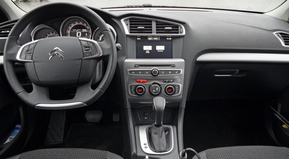 Французская марка намерена расширить линейку комплектаций седана C4 в России.