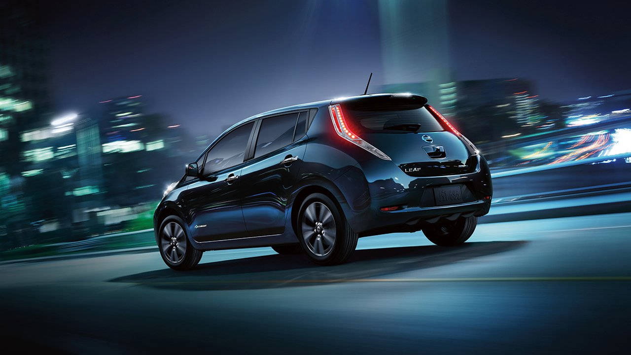 Nissan Leaf черный