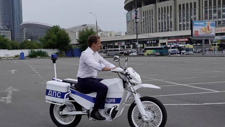 Электромотоцикл для полиции