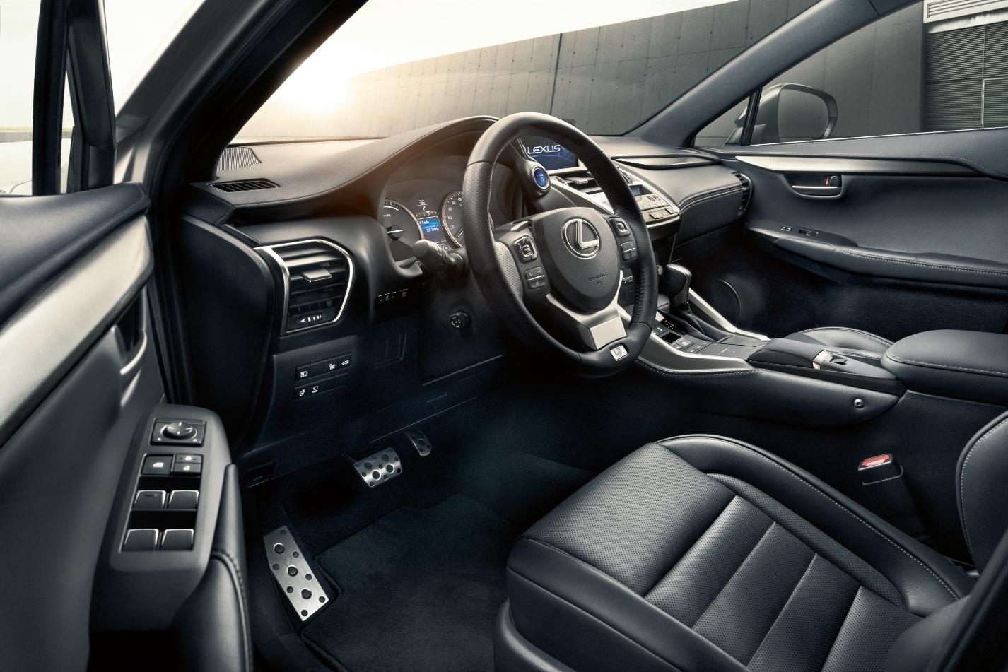 Бренд Lexus был создан в 1989 году и завоевал всемирную известность благодаря стремлению к совершенству, выдающемуся качеству и передовой высокотехнологичной продукции