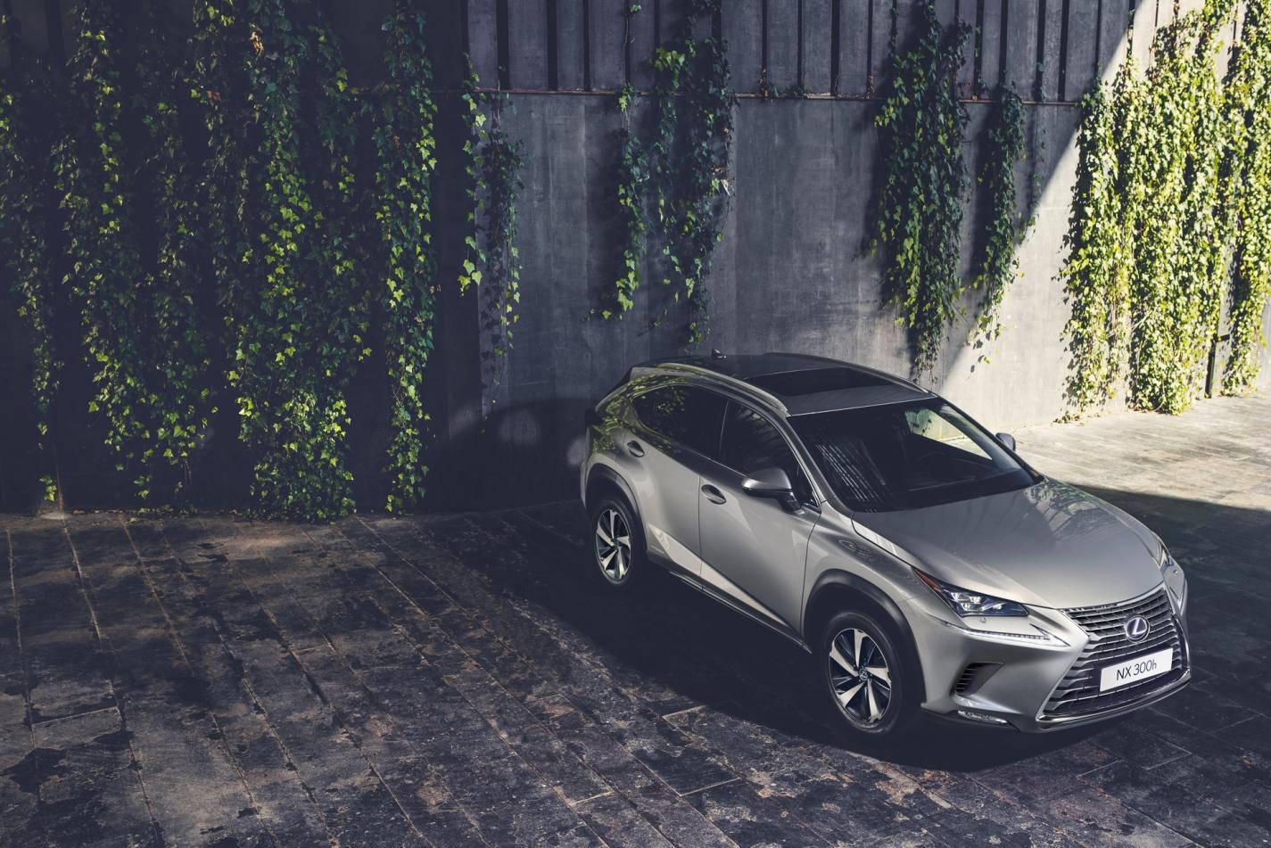 На предстоящем Франкфуртском международном автосалоне состоится европейская премьера обновленного премиального городского кроссовера Lexus NX