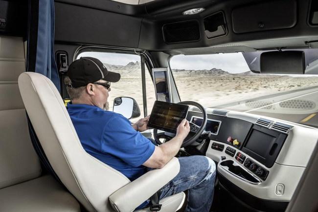 А делает эти операции за водителя система Highway Pilot, состоящая из многочисленных датчиков и видеокамер.