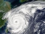 "Тайфун ""Талим"" приближается к Сахалину"
