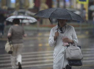 На Москву и Петербург надвигается мощный циклон