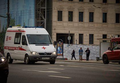 Москва пробки движение транспорт центр садовое кольцо Скорая помощь