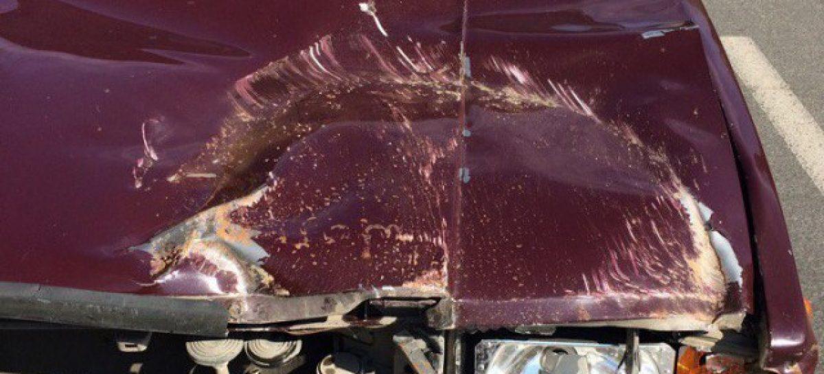 Крышка люка пробила «Жигули» – никто не пострадал