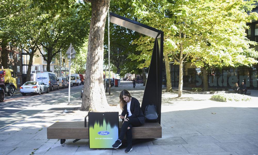 FORD умные скамейки