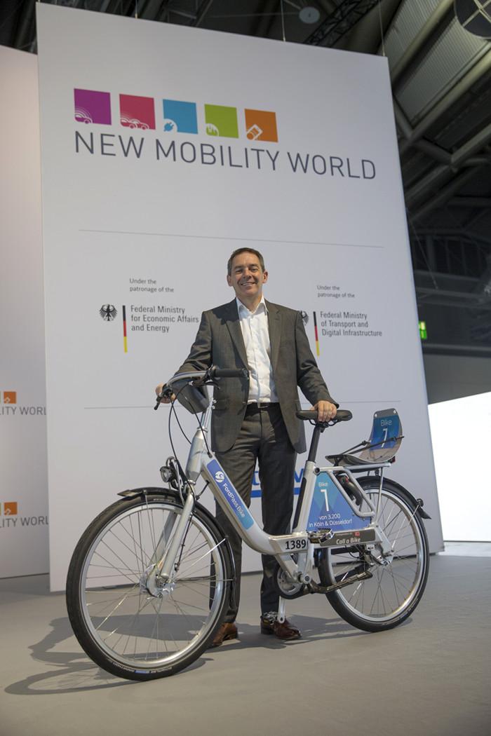 Стивен Армстронг (Steven Armstrong), вице-президент группы компаний Ford и президент европейского, ближневосточного и африканского регионов