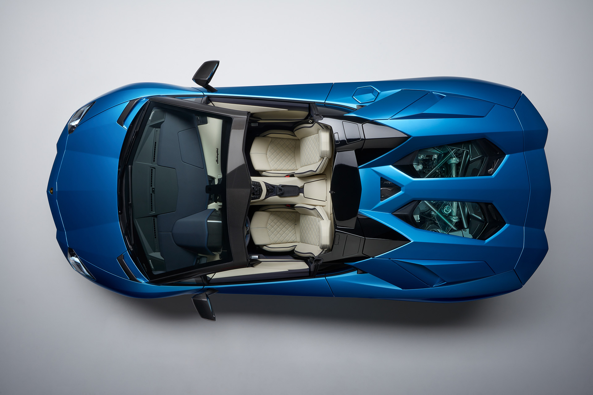 Lamborghini Aventador S Roadster вид сверху