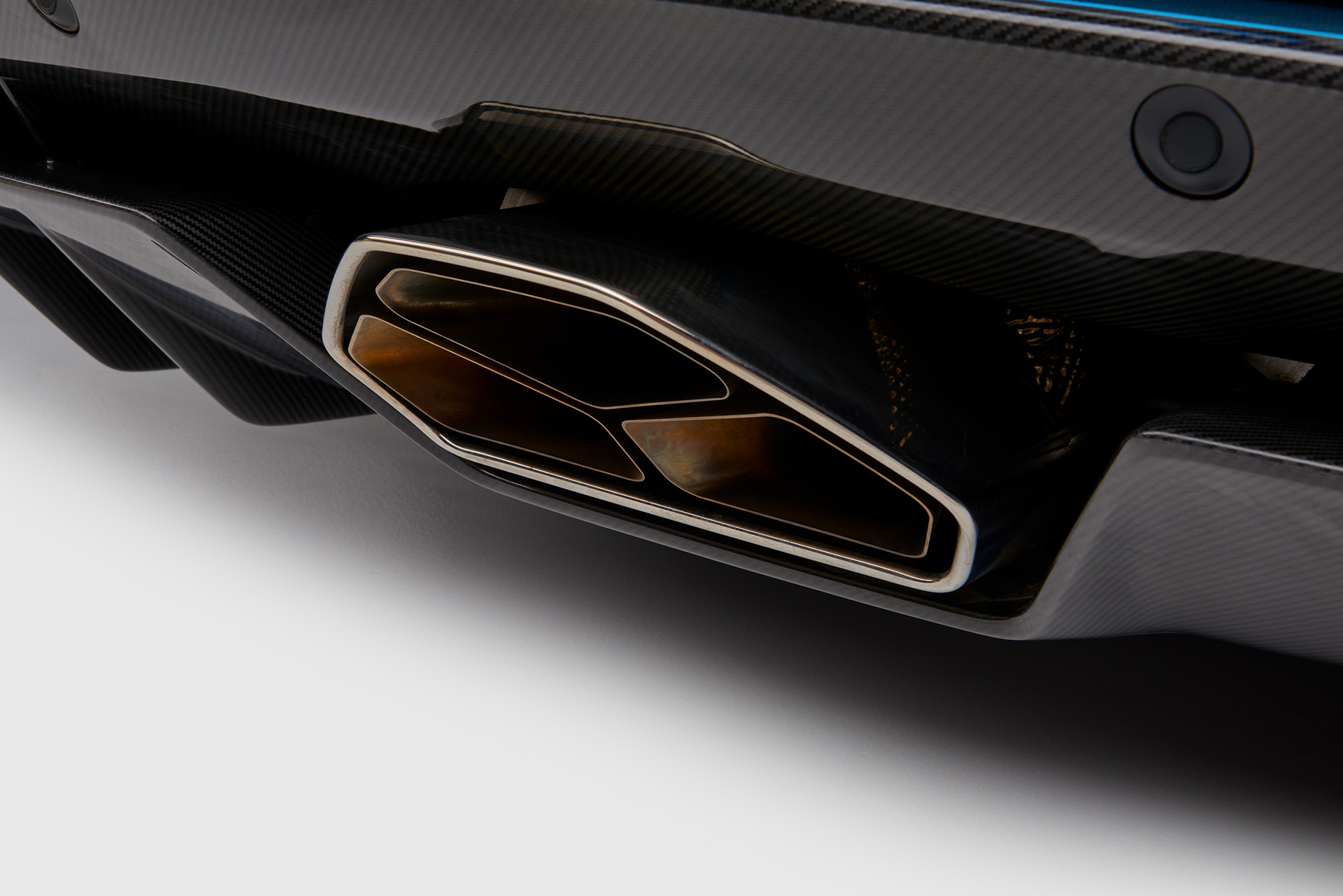 Lamborghini Aventador S Roadster выхлопная труба