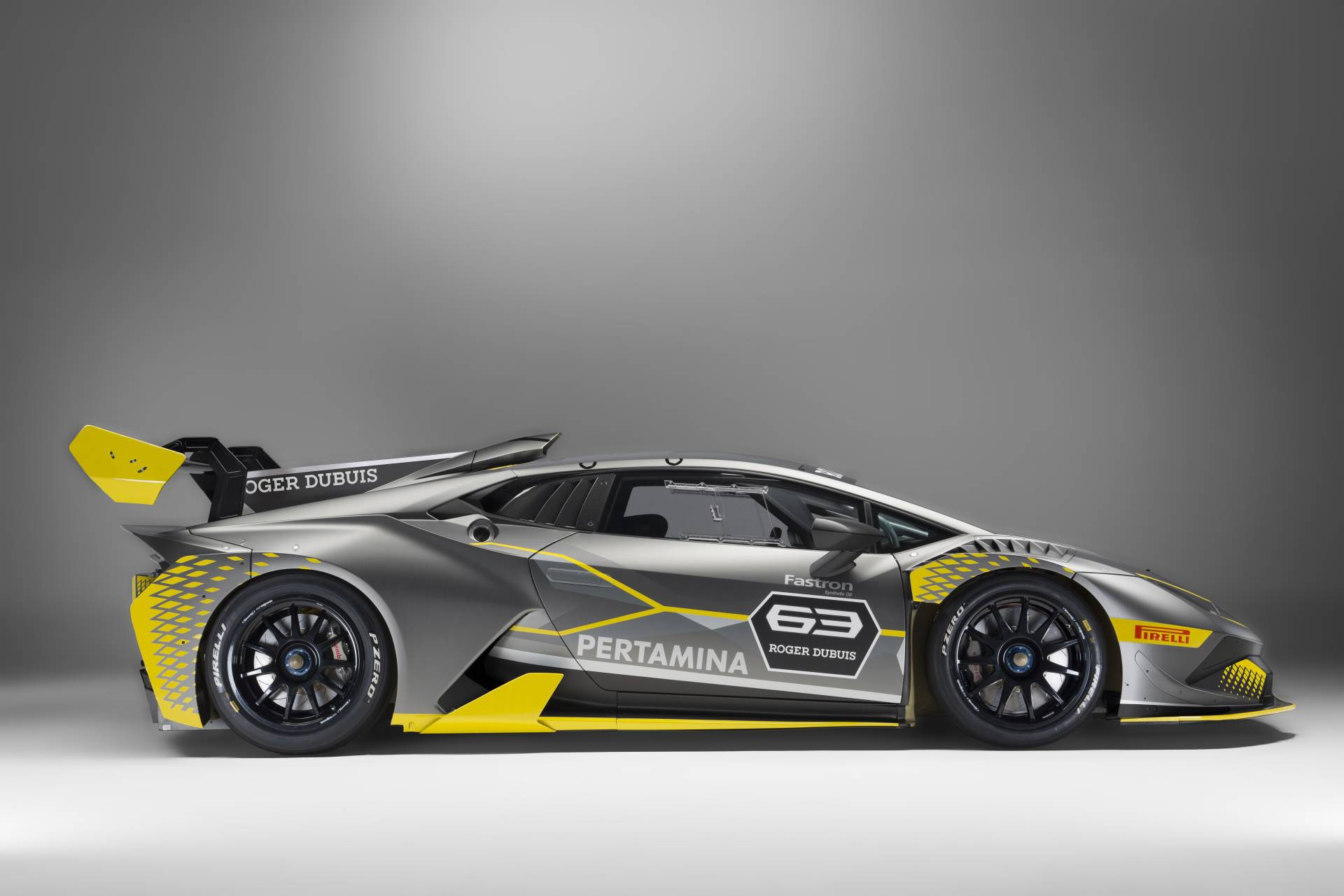 Lamborghini Huracan ST EVO вид сбоку