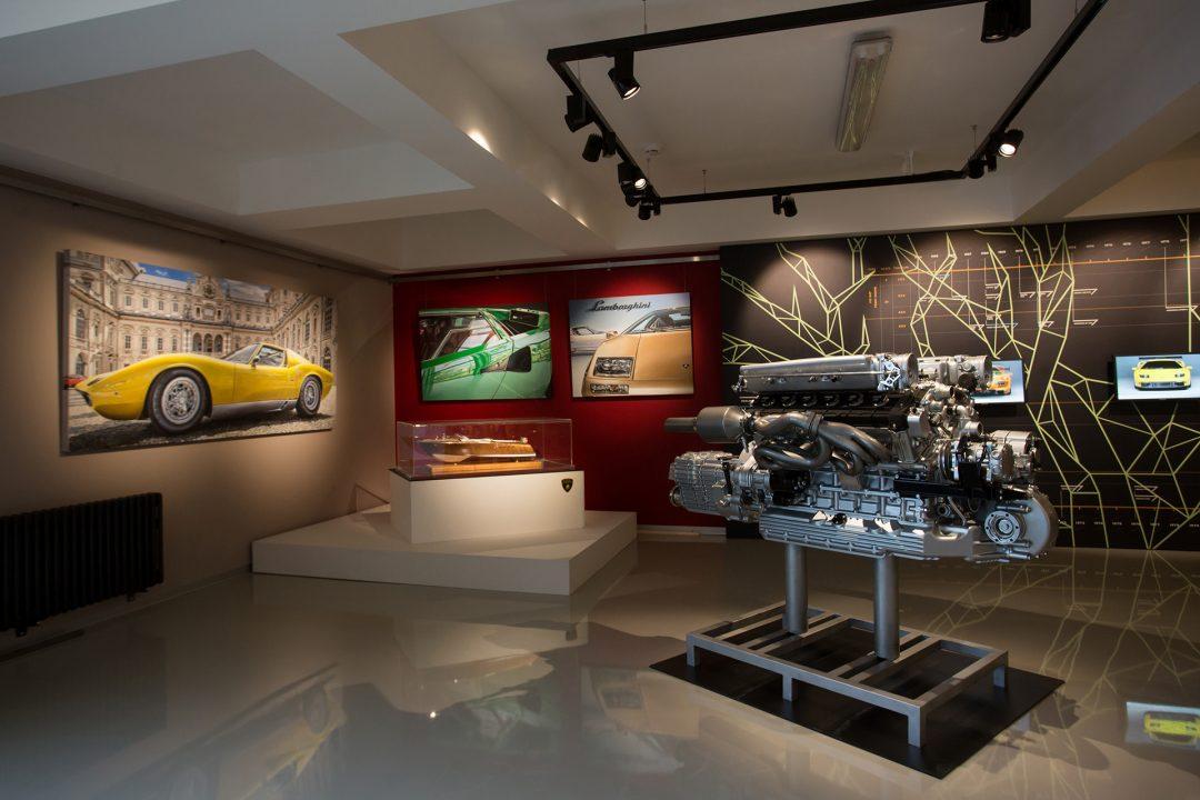 Lamborghini двигатель