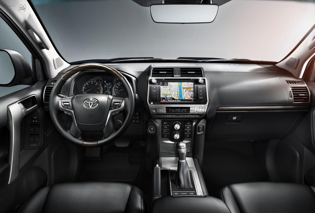 Toyota Land Cruiser Prado салон