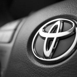 Новая модель Toyota скопировала дизайн Suzuki