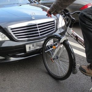 Два колеса против монтировки