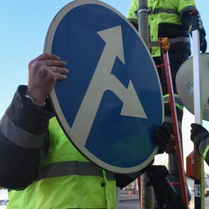 Дорожные знаки получат новые места размещения
