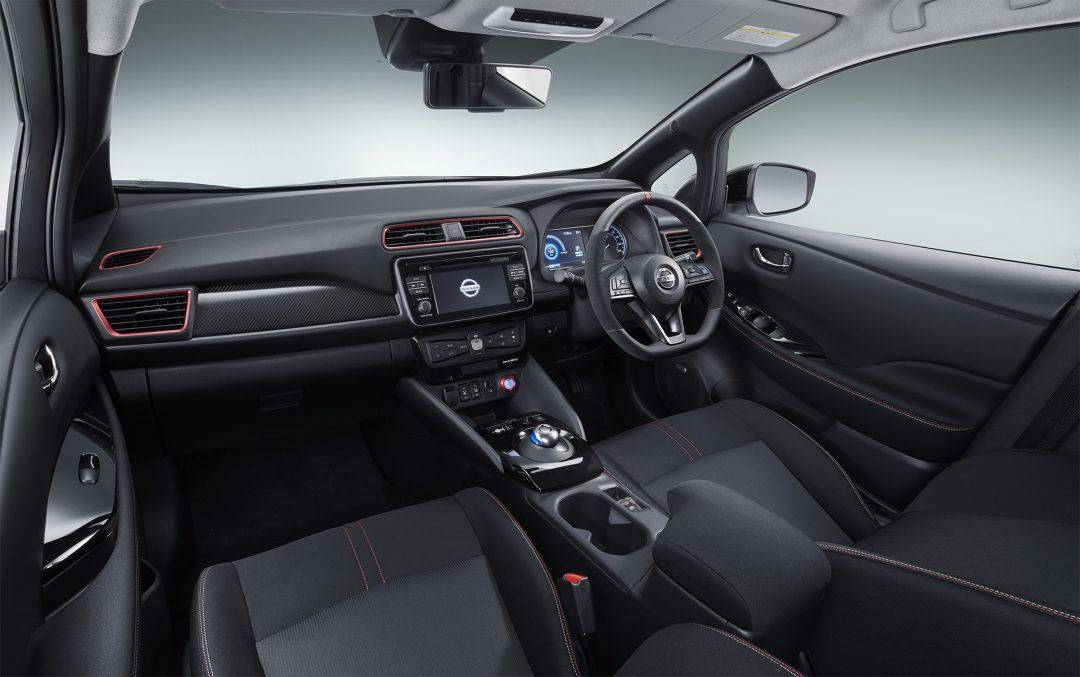 Nissan Leaf Nismo салон