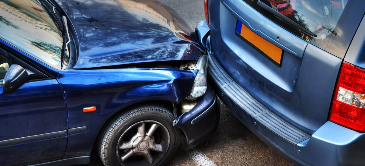 Кто платит за ущерб владелец или страховщик?