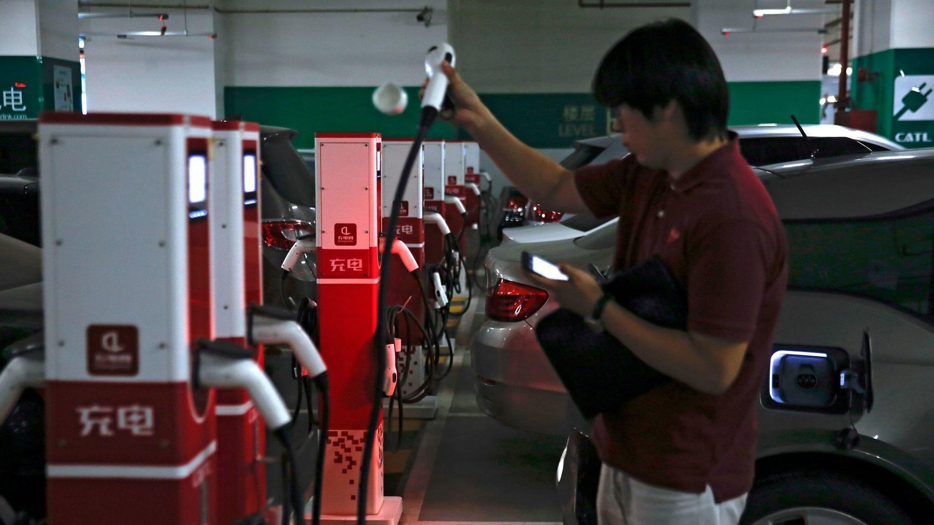 Правительство Китая собирается запретить машины, работающие на дизельном топливе и бензине
