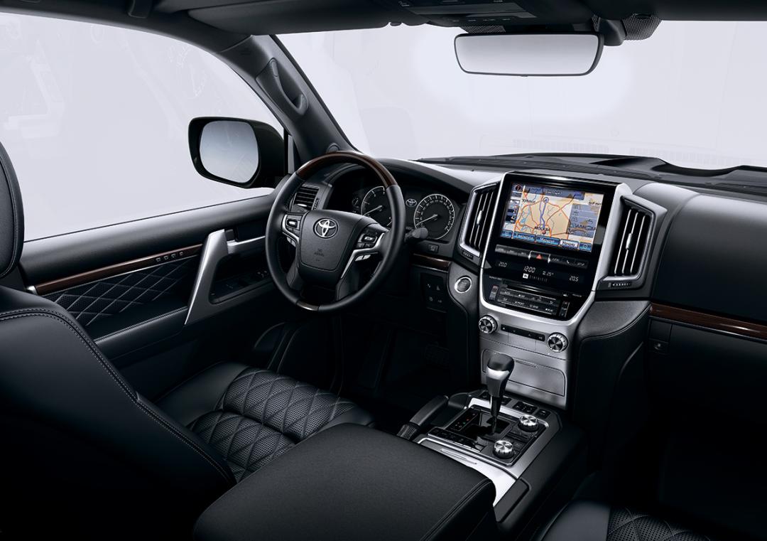 Toyota Land Cruiser 200 Excalibur_интерьер
