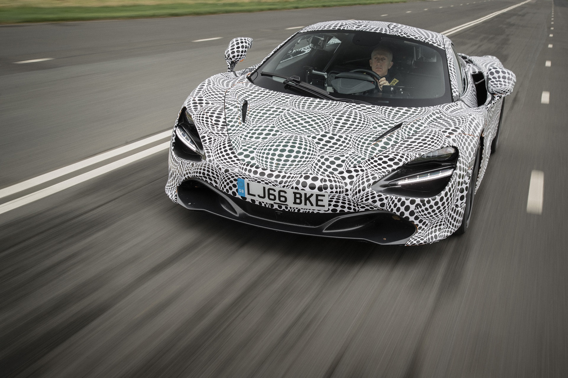 гиперкар McLaren BP23