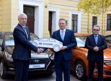Дорожному факультету СПбГАСУ подарили три автомобиля Hyundai