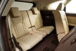 Мировая премьера нового вместительного кроссовера Lexus RX 350L