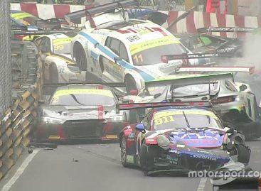 Авария на трассе в Макао