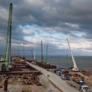 Крымский мост готов на 65 %