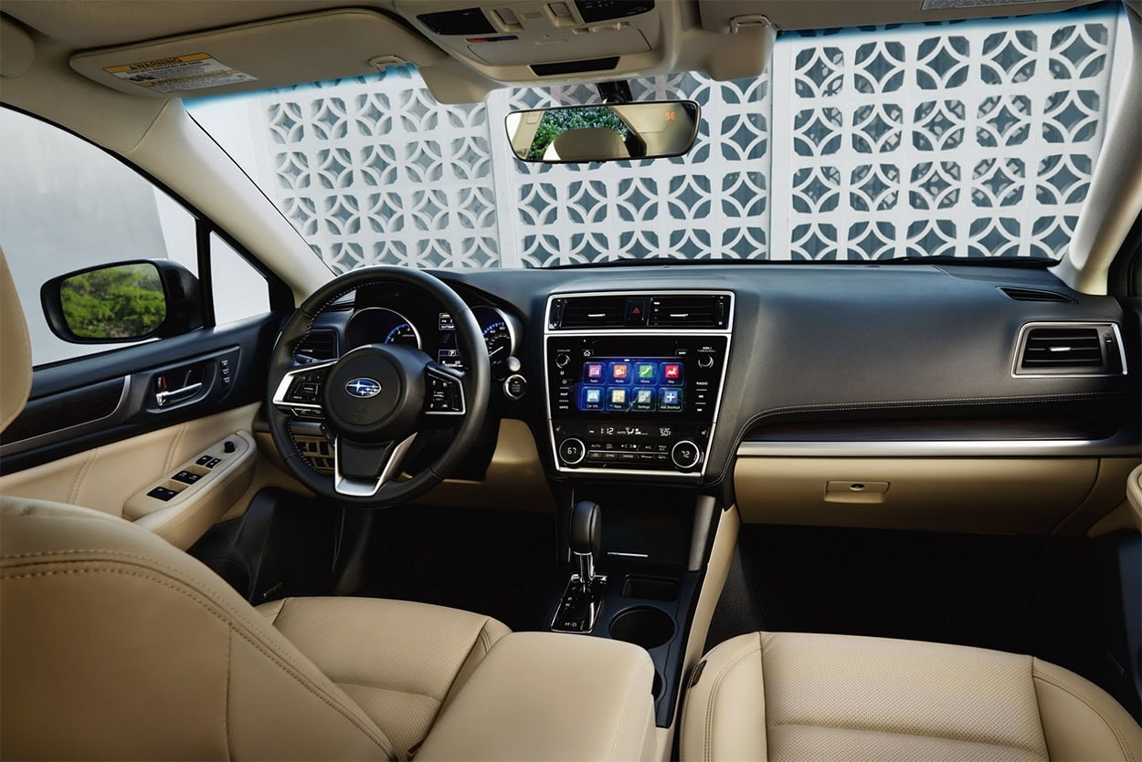 Subaru Legacy 2018 салон