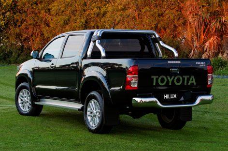В России отзывают Toyota Hilux